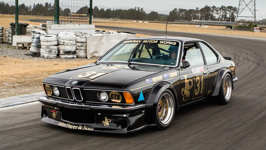Legendary BMW CSi Black Beauty Returns To The Track - 635 bmw