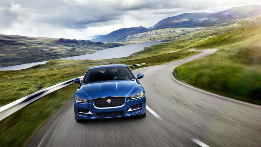 Jaguar apresenta motor 2.0 turbo Ingenium com 302 cv