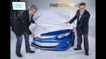 Por partes... Chevrolet levanta capa e mostra dianteira da nova geração do Volt