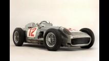 Por US$ 30 milhões, Mercedes de Fangio é o carro mais caro vendido em leilão