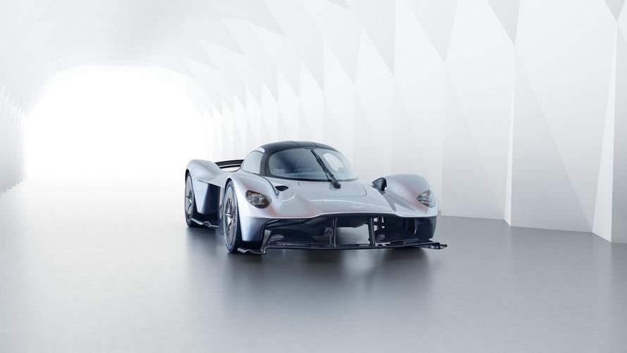 Bir Aston Martin Valkyrie'in boyasında ay tozu kullanılacak