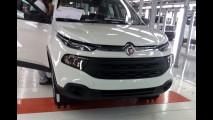Flagra: Fiat Toro 1.8 Freedom já aparece por completo - veja fotos e interior