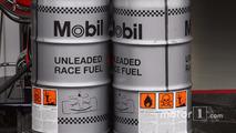 McLaren Mercedes, Mobil 1, Race Fuel