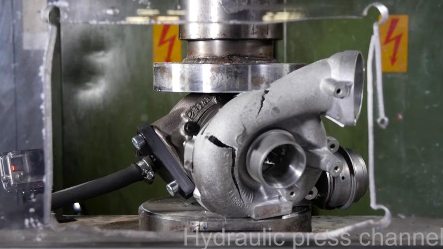 Çalışan bir turboyu ezmeye çalışırsanız ne olur?
