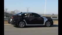 Flagra! Kia Optima 2016 é clicado em testes, inclusive com fotos do interior
