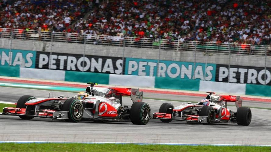 McLaren drivers free to race - Whitmarsh