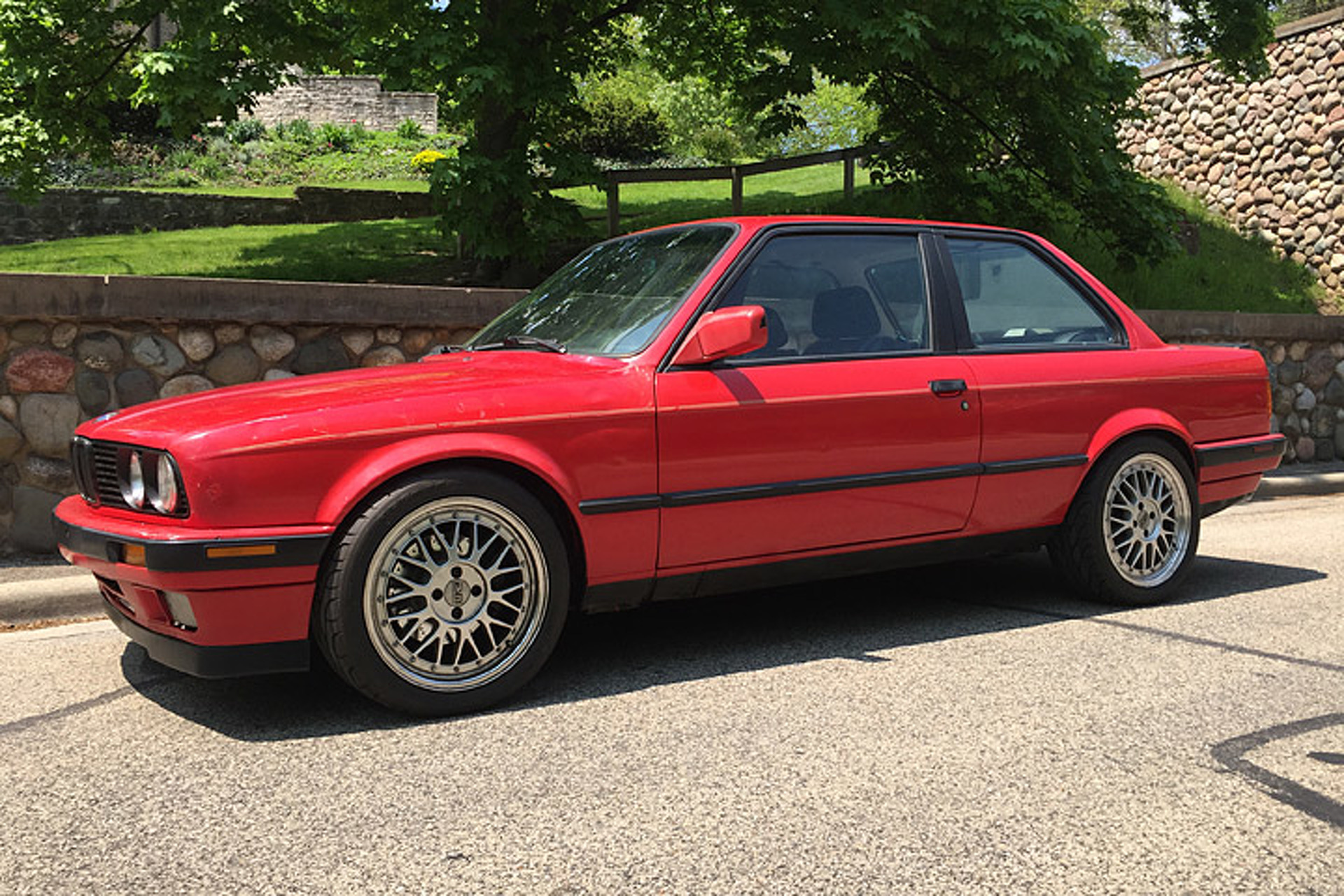 Super This '91 BMW 318is Finally Has the V8 It Always Wanted EC44