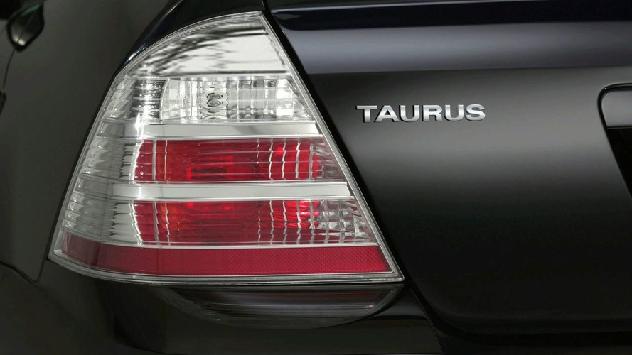 Bootleg Image of 2010 Ford Taurus Leaks onto Web