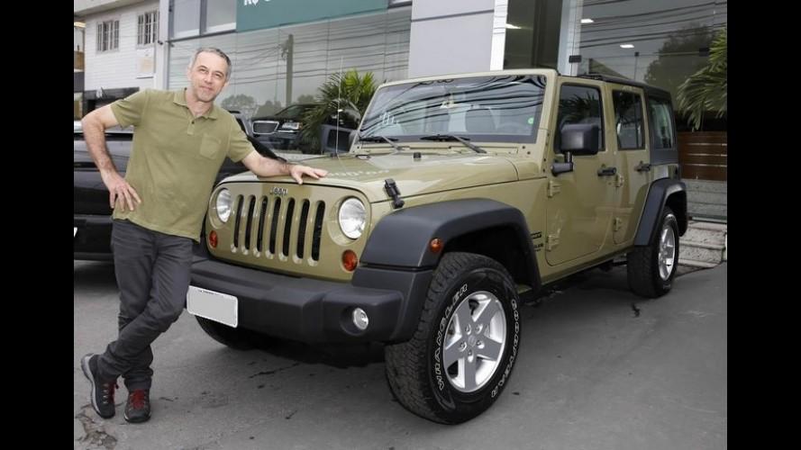 Presente de aniversário: João Barone recebe um Jeep Wrangler emprestado pela marca