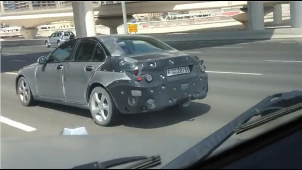 VÍDEO: Flagra do futuro Mercedes Classe C em testes em Dubai