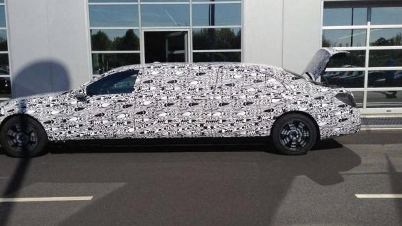 Mercedes-Benz S600 Pullman spy photo