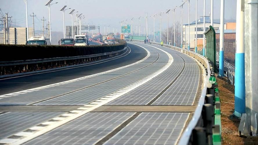 Chine - Ouverture d'une première route à énergie solaire