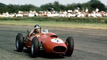 Mike Hawthorn - Campeón del mundo de la Fórmula 1 en 1958, no pudo ganar en Mónaco. Sólo logró la victoria en las 24 Horas de Le Mans en 1955, dejando pendiente su nombre en las otras dos pruebas del triplete.  Photo by: LAT Images