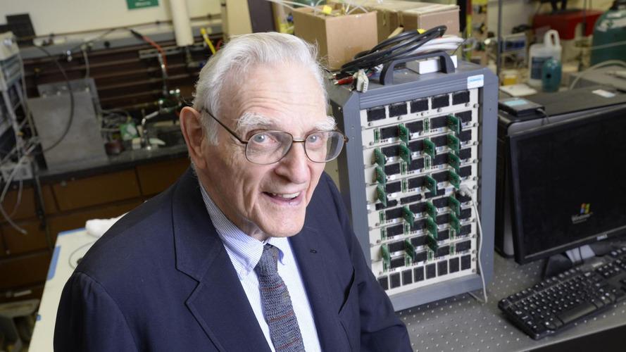 À 94 ans, il invente la batterie au sodium !