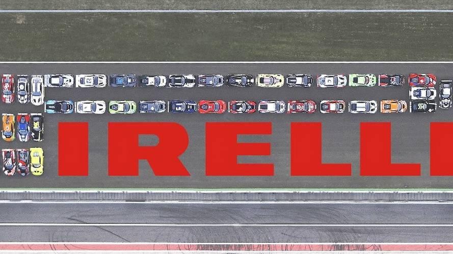 Pirelli recreates logo using GT3 cars at Monza