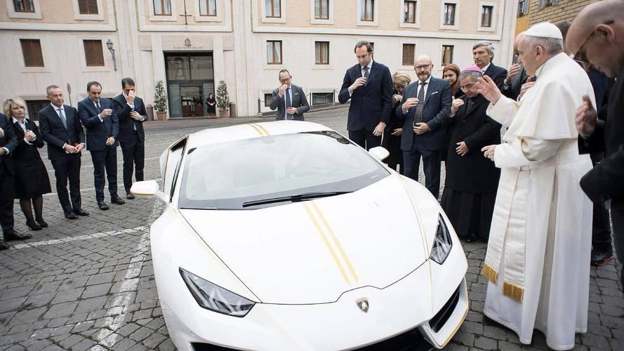 Papal bull –Francis given a new Lamborghini