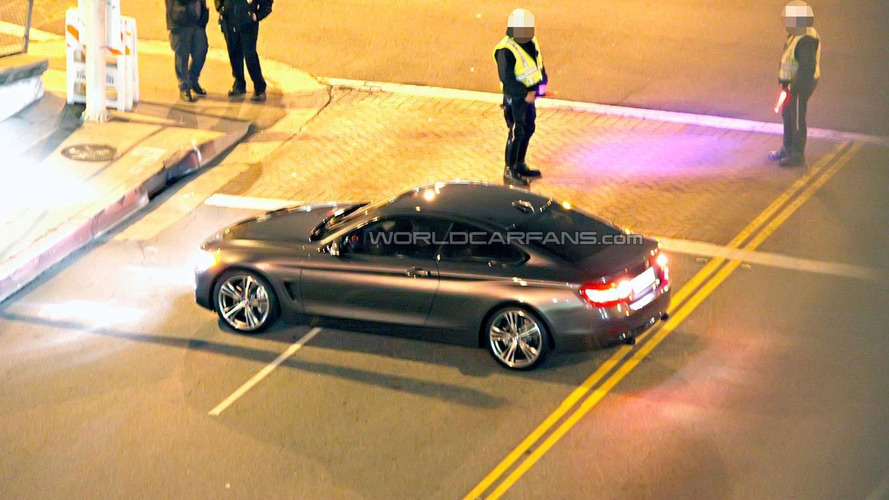 2014 BMW 4-Series Coupe caught undisguised during photo shoot