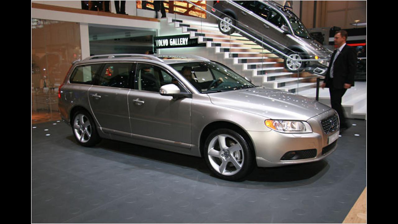 Premiere feierte auch der Volvo V70, der seitdem auch mit Sechszylinder-Triebwerken zu haben ist