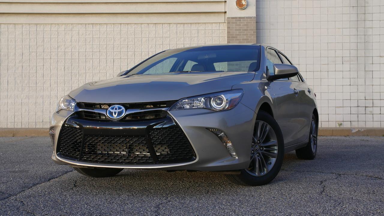 2017 Toyota Camry Hybrid | Will It Bike