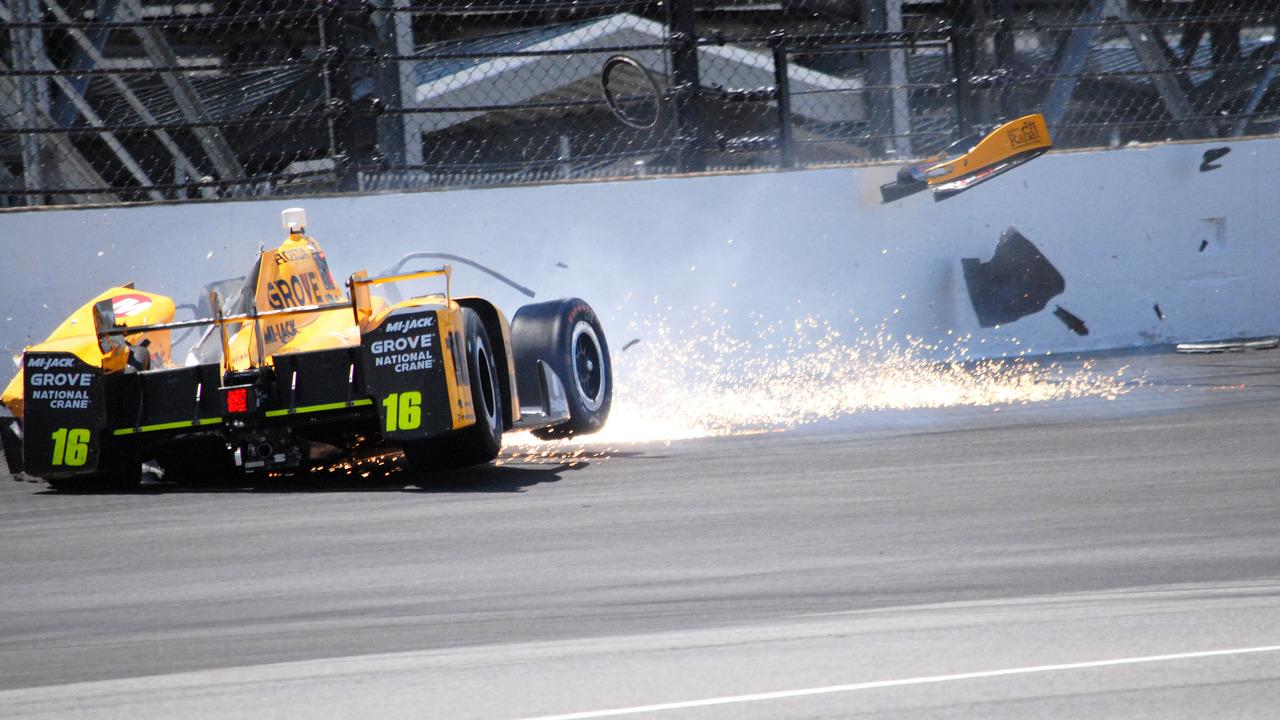 Spencer Pigot crash at 2016 Indy 500
