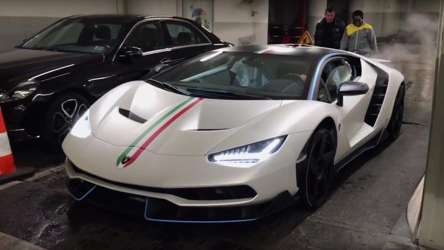 VIDÉO - Une Lamborghini Centenario livrée à Paris