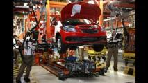 Entrevista: Presidente da Anfavea, Luiz Moan fala de crise, governo e preço do carro