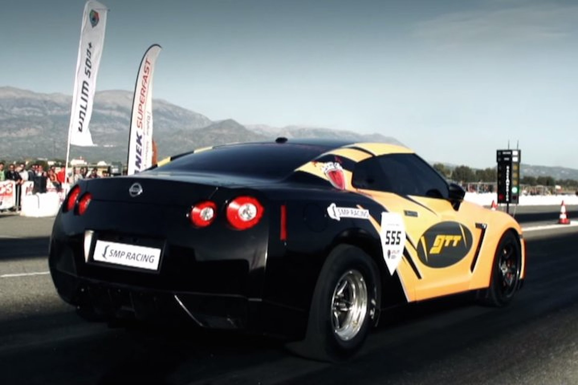 Watch Europe's Fastest GT-R Tackle the Quarter Mile