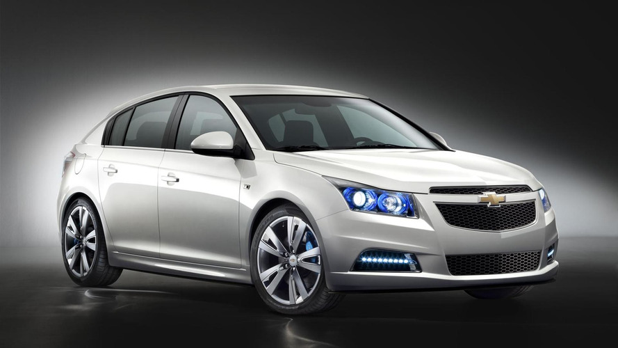 Chevrolet Cruze hatchback show car revealed