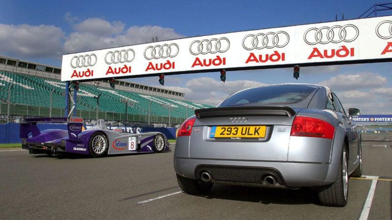Audi TT Coupe 3.2 quattro & Audi R8