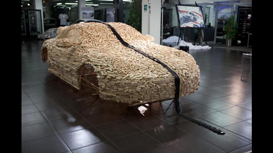 Una Porsche 911 in legno scala 1:1