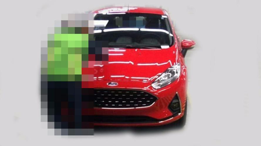 Segredo: Vazam fotos do Ford New Fiesta brasileiro reestilizado