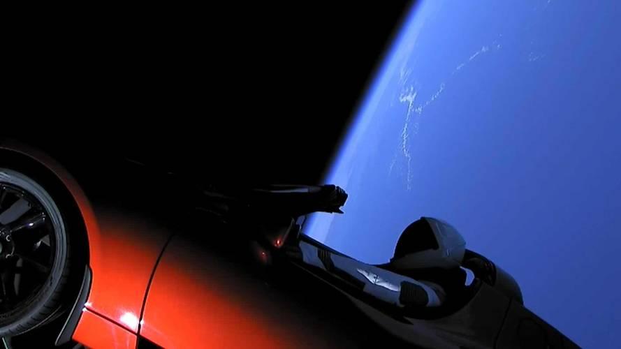 Tesla Roadster en el espacio
