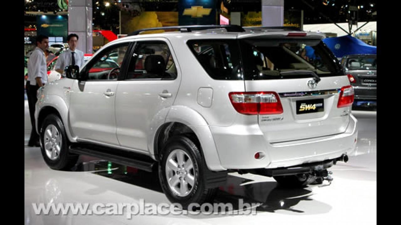 Toyota mantém preços para utilitário SW4 2009 - Preço inicial é de 154.100