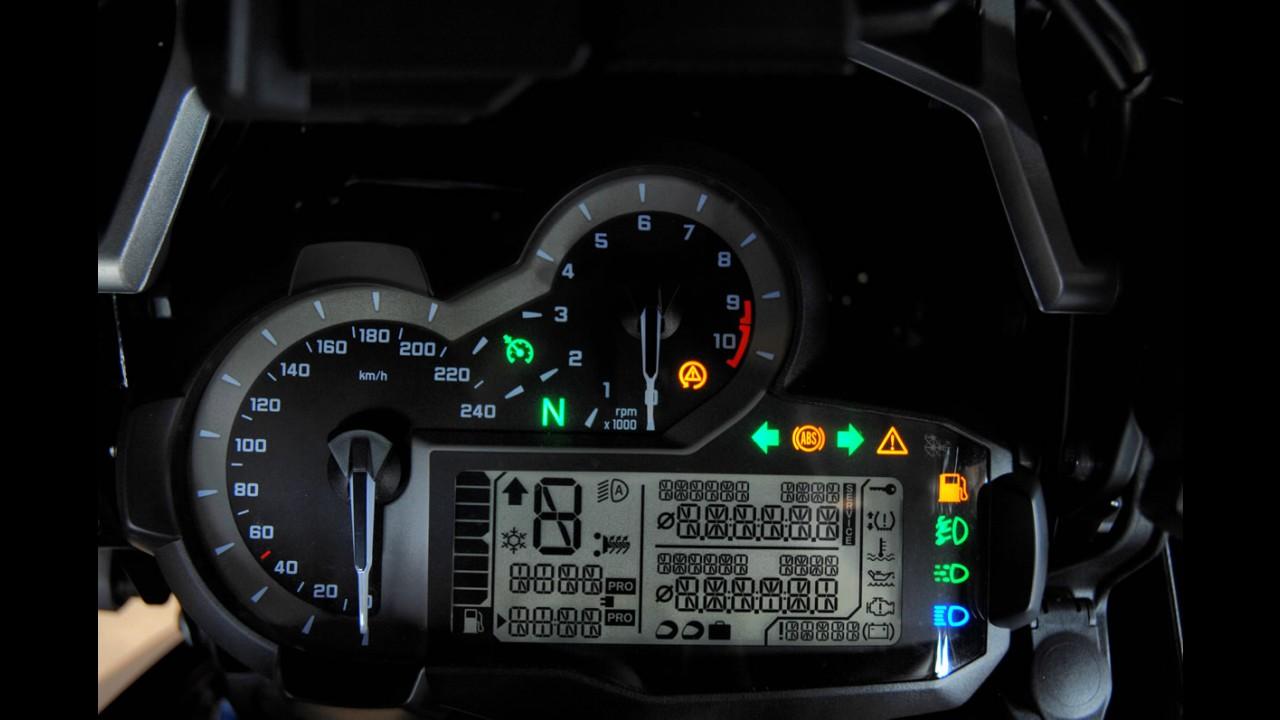 Volta rápida: BMW R1200 GS Adventure, a rainha alemã em versão topa tudo