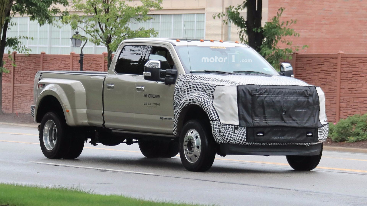 2019 ford f series super duty spied with modest facelift. Black Bedroom Furniture Sets. Home Design Ideas