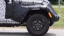 İki kapılı 2018 Jeep Wrangler casus fotoğrafı