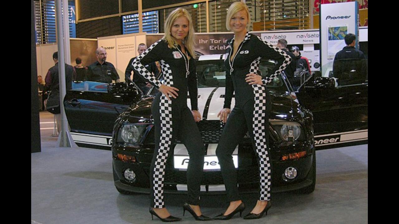 Ja, sind das nun Taxifahrerinnen? Oder kleinkarierte Caro(la)s?