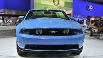 2011 Ford Mustang GT live in Detroit, NAIAS 12.01.2010