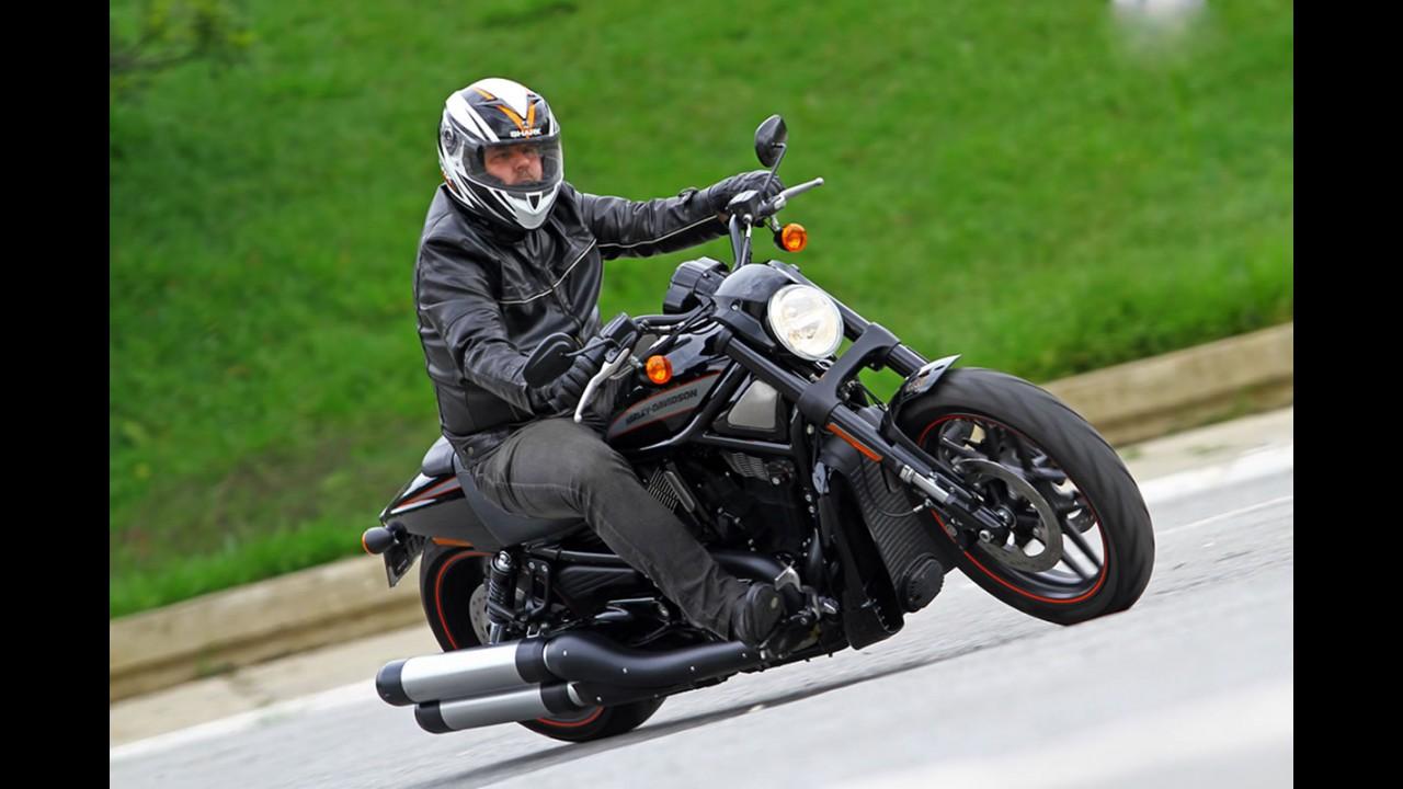 Compare a harley davidson v rod muscle vrscf 2009 a 2017 com outra - Avalia O Harley Davidson Night Rod O Lado Negro Da For A