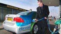 Saab 9-5 BioPower at First UK E85 Pump