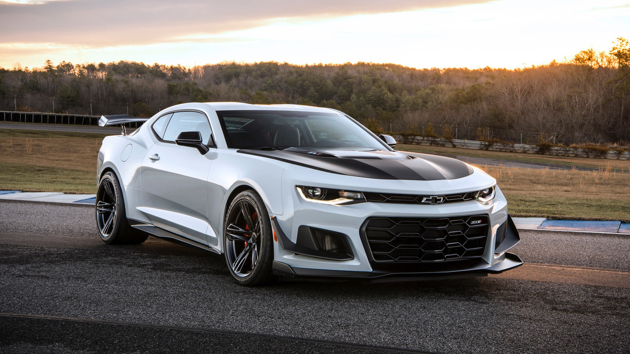 2017 chevrolet camaro zl1 1le photos. Black Bedroom Furniture Sets. Home Design Ideas