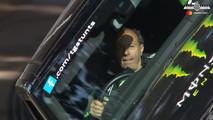 Range Rover Sport SVR anda em duas rodas no Festival de Velocidade de Goodwood