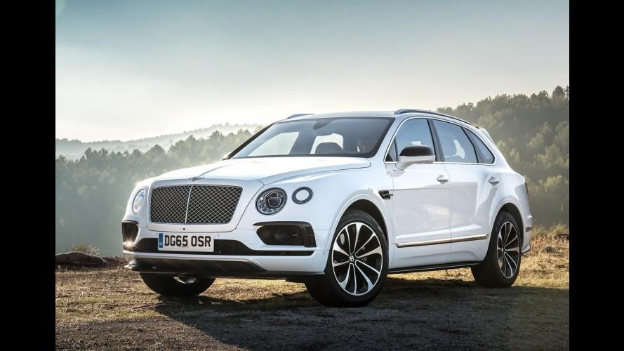 O monstro saiu da jaula: veja o Bentley Bentayga ultrapassando os 300 km/h! - vídeo