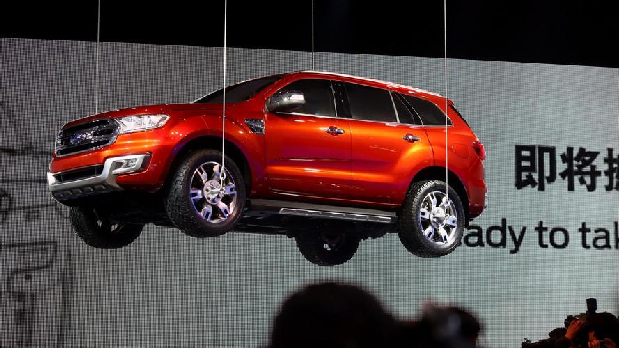 Ford sobe o Everest para comemorar recorde de vendas na China