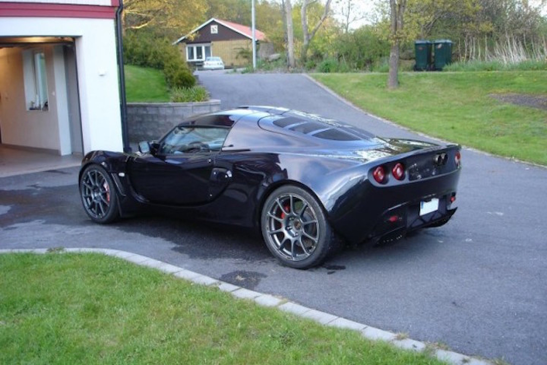 This Is What a Lotus Exige With a BMW V10 Looks Like