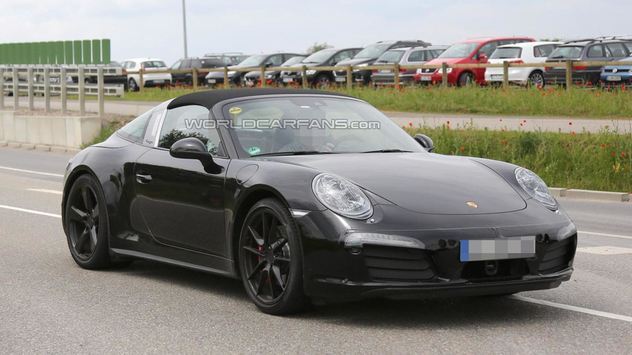 2016 Porsche 911 Targa GTS makes spy photo debut