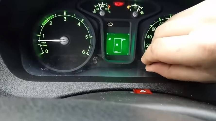 Russian van has Tetris hidden in dashboard trip computer