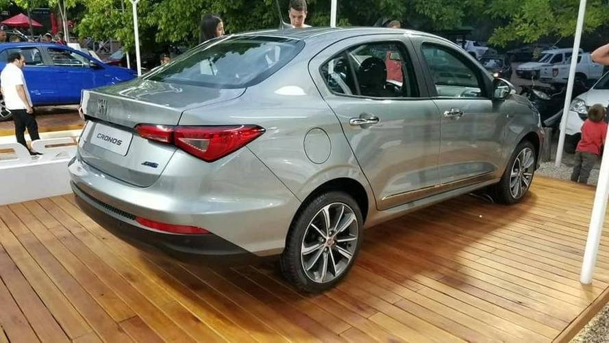 Novo Fiat Cronos já está em exposição na Argentina; veja fotos