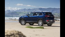 Veja o polêmico Jeep Cherokee 2014 por completo