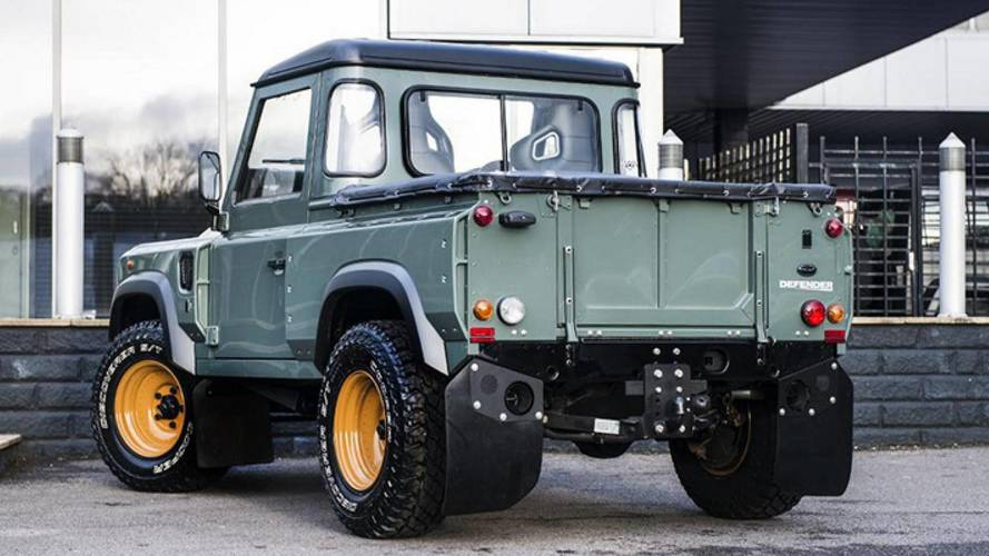 Land Rover Defender Pickup Kahn Design